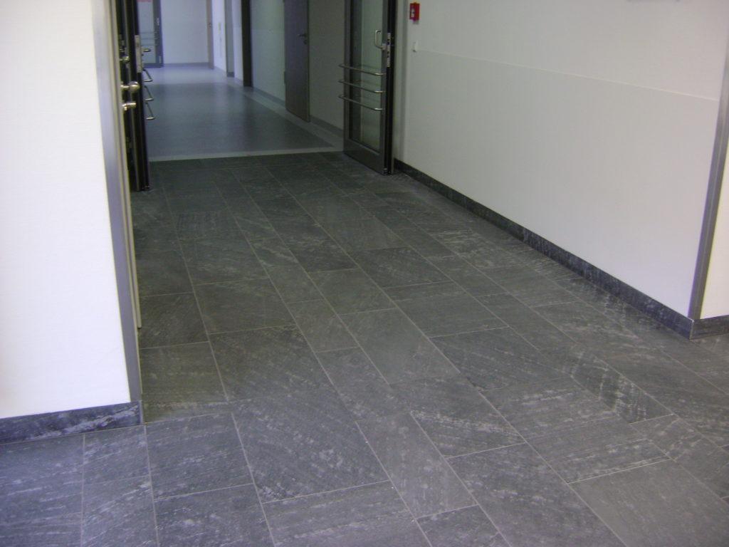 """Dresden, Krankenhaus Friedrichstadt - Bodenplatten und Sockelleisten """"diamantgeschliffen"""""""