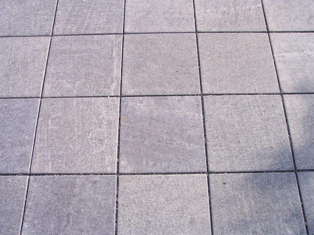 "Bodenplatten / Pflaster ""antik"" (diamantgeschliffen & getrommelt)"