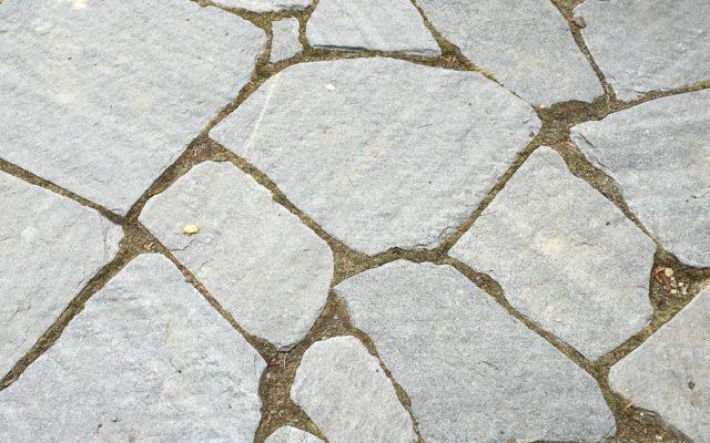 """Polygonale Wegeplatten """"rustikal"""" (gespalten & getrommelt)"""