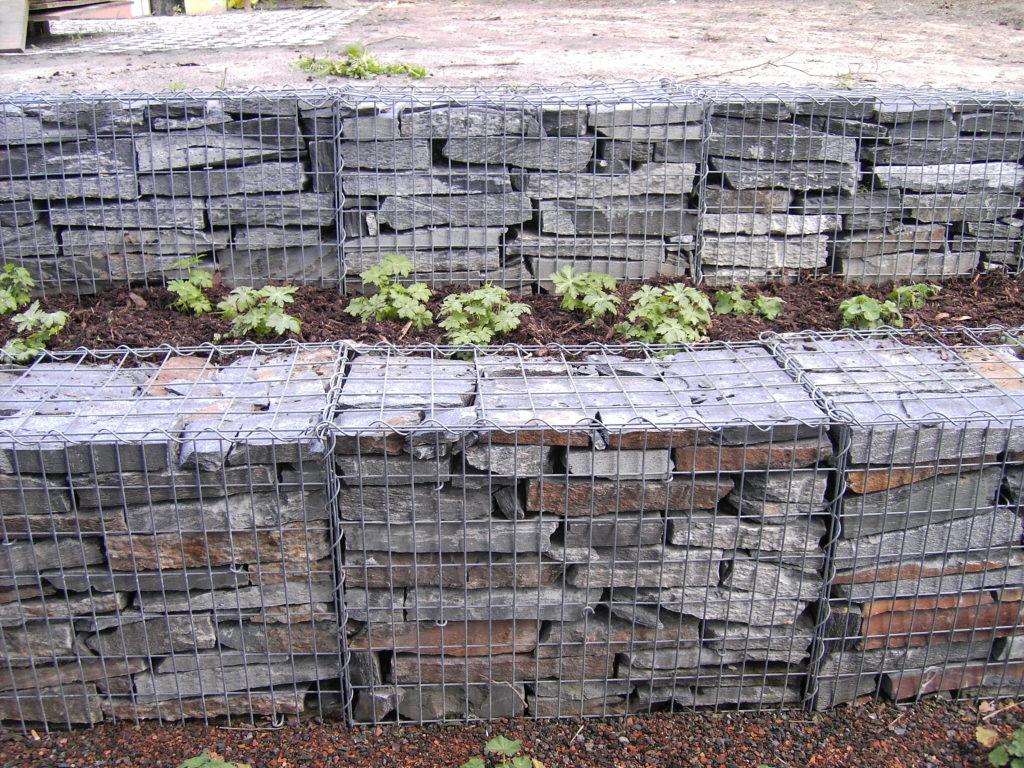 Bruchsteinmauerwerk als Gabionenbefüllung