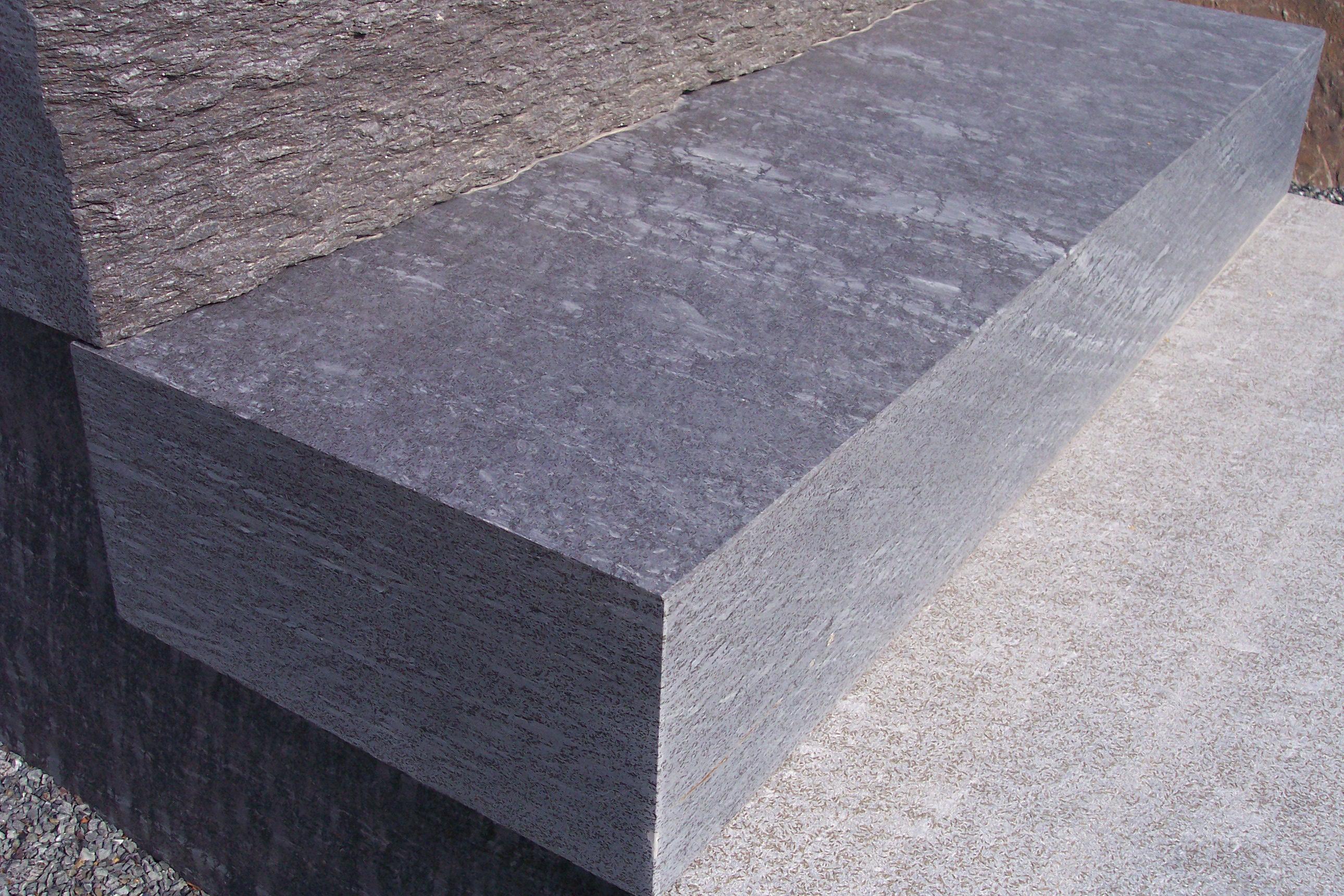 """Massive Blockstufe, Oberfläche, Kante und Kopf """"diamantgeschliffen"""""""