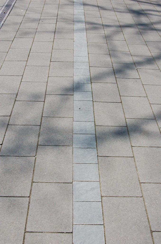 """Oberasbach, Sonderpädagogisches Förderzentrum - Pflaster """"diamantgeschliffen"""""""