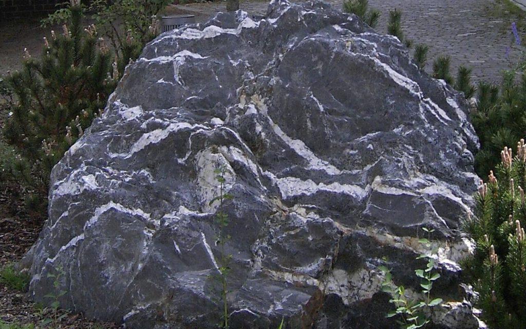 Quarzschiefersteine