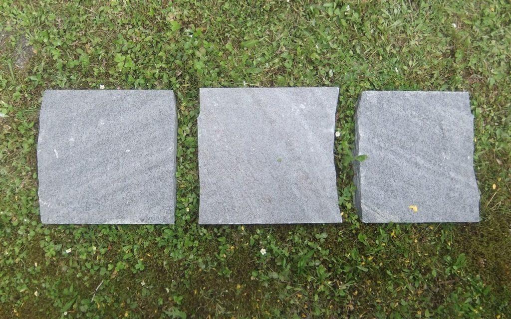 """Trittplatten """"gespalten"""", ca. 33 x 33 cm"""