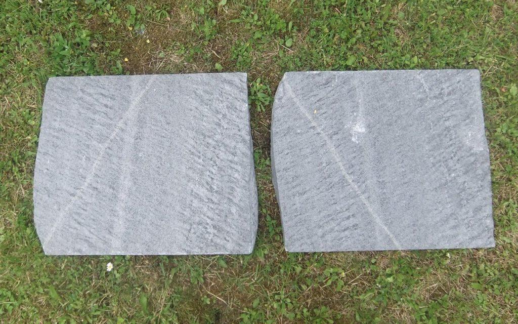 """Trittplatten """"gespalten"""", ca. 43 x 50 cm"""