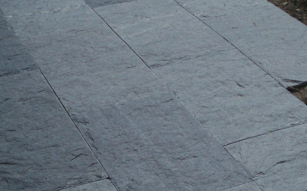 "Bodenplatten ""gespalten"""