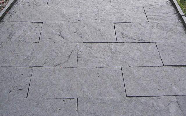 """Gartenplatte """"gespalten"""" (50 x 25 x 4 cm)"""