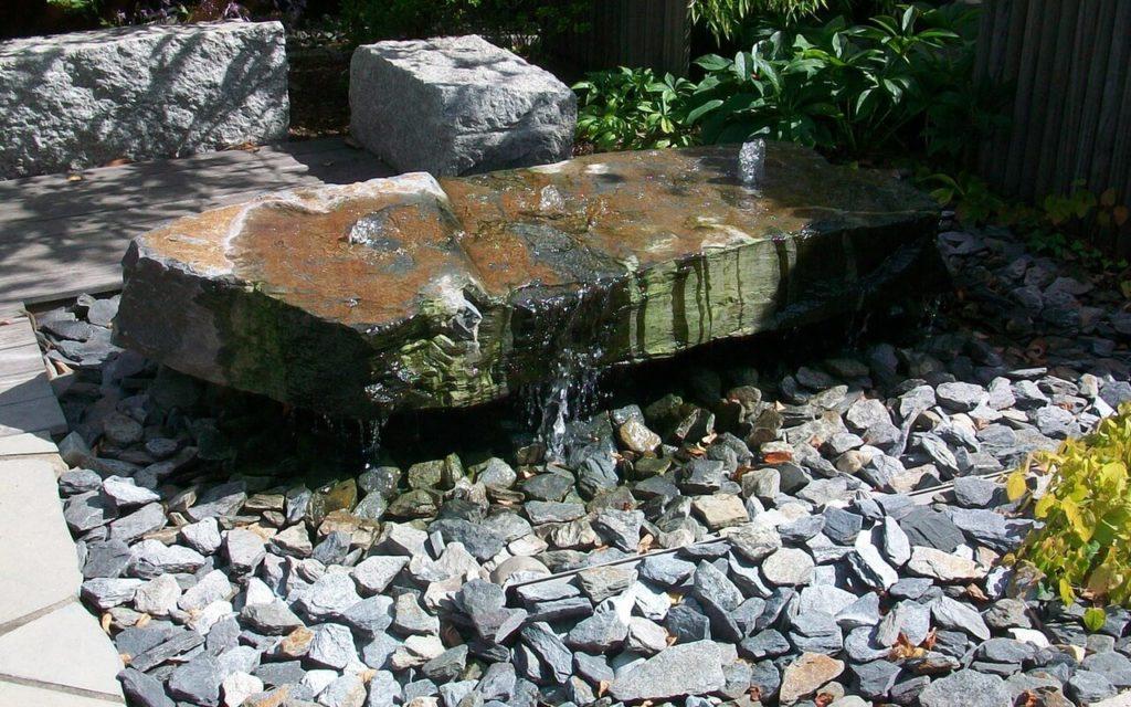 Wasserlaufsteine, Ziersteine, Bild: Gartengestaltung Ralf Grothe GmbH, 68723 Schwetzingen