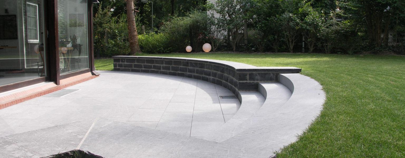 "Berlin, Privatgarten - Bodenplatten ""gesandelt"", Massive Blockstufen ""gesandelt"", Abdeckplatten ""gesandelt"""