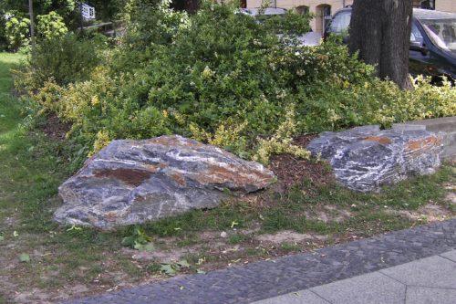 Cottbus, Puschkinpromenade - Quarzschiefersteine