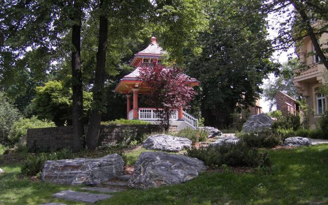 Cottbus, Puschkinpromenade - Naturelle Blockstufen, Quarzschiefersteine
