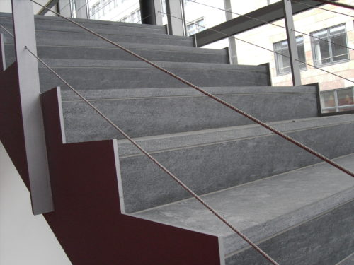 """Dresden, Neubau Firmengebäude DMOS - Stufen """"diamantgeschliffen"""""""
