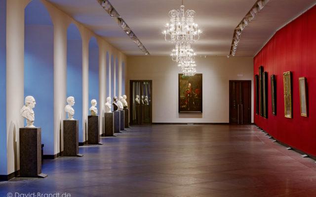 """Dresden, Residenzschloss, Fürstengalerie in den Staatlichen Kunstsammlungen Dresden - Bodenplatten """"gebürstet"""" - Bild: ©David-Brandt.de, ©SKD"""