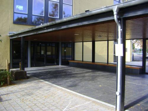 "Köln, Sankt-Nikolaus-Schule - Bodenplatten ""gebürstet"""