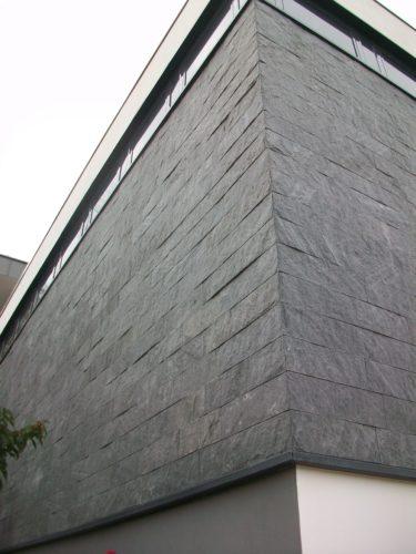 """Kiedrich, Weingut """"Robert Weil"""" - Fassadenplatten """"gespalten"""""""