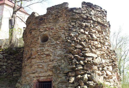Wolkenburg, Schloss – Sanierung Parkwarte - vorher
