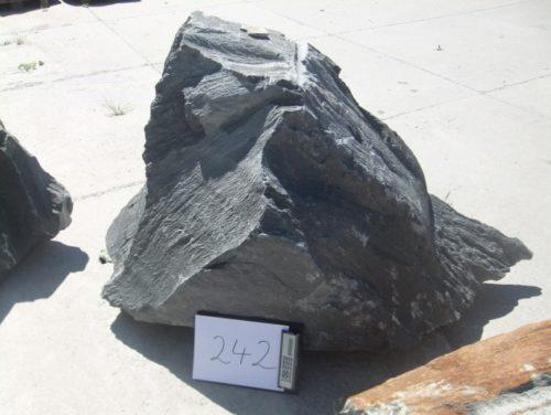 Nr. 242: 262,49 € brutto (inkl. MwSt.), Ca.-Maße 170x85x55cm, 0,878to
